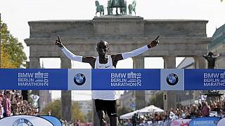 Megdöntötte a maratonfutás világrekordját Eliud Kipchoge