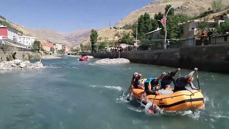 Video - Türkiye Rafting Şampiyonası'nın üçüncü ayağı Van'da yapıldı