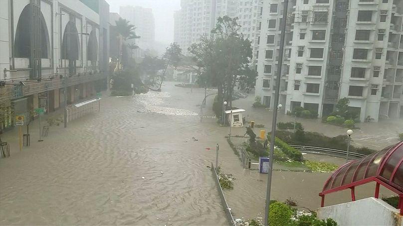 Mangkhut si è abbattuto su Hong Kong