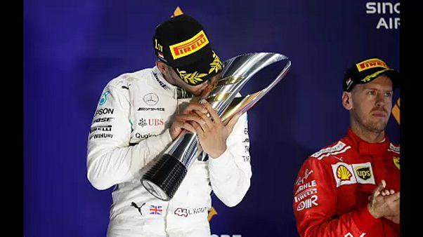 Hamilton vence GP em Singapura e reforça liderança no Mundial de F1