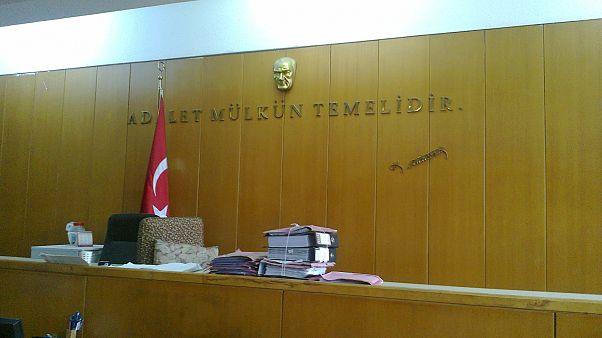 Türkiye'de tutuklu eski İngiliz askere örgüt üyeliğinden hapis cezası