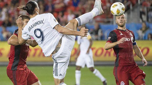 İbrahimoviç kariyerindeki 500'üncü golünü efsane 'akrep vuruşu' ile kaydetti