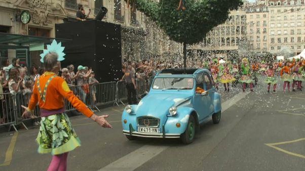 Lyon: Dancing parade for peace