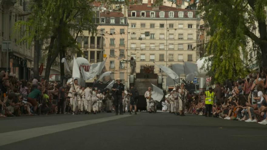 Dancing in the street for Lyon Biennale