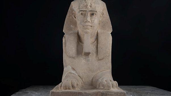 Αίγυπτος: Ανακάλυψαν το άγαλμα μιας Σφίγγας μέσα σε έναν ναό