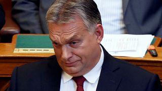 رئيس وزراء المجر فيكتور أوربان أمام برلمان بلاده