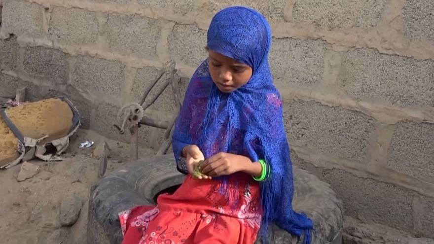 Children eat leaves in a bid to avoid starvation in war-torn Yemen