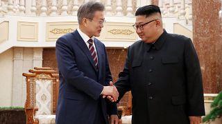 Пхеньян встречает Мун Чжэ Ина