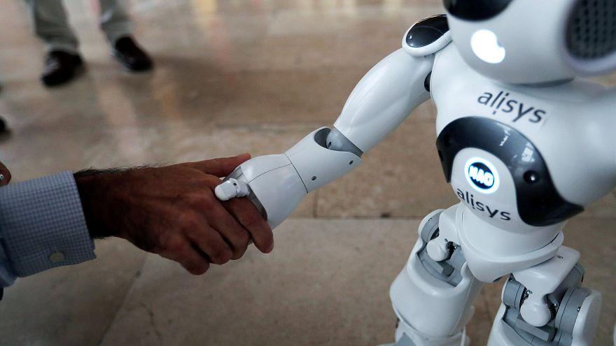 Robotlar 2025 yılına kadar iş yükünün yüzde 52'sini almış olacak