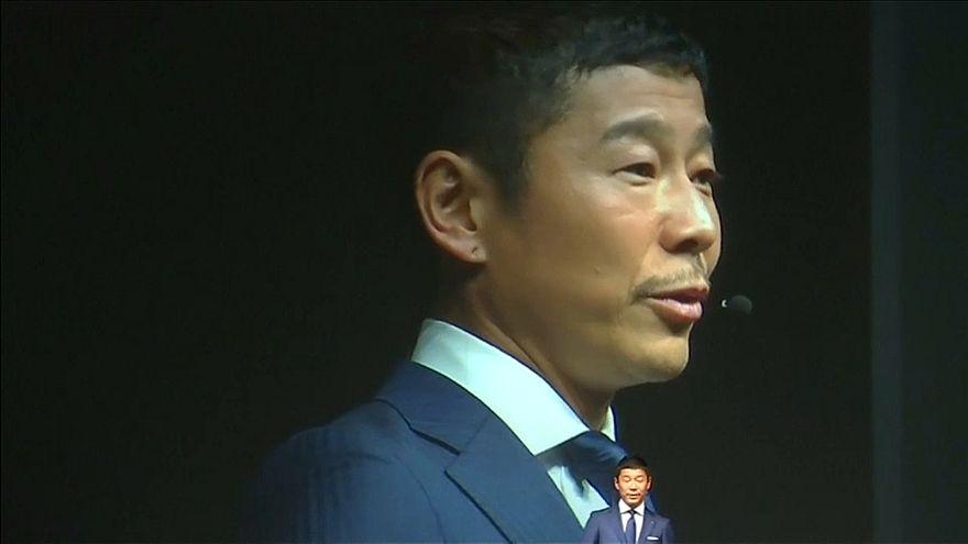 ملياردير ياباني سيكون أول من يذهب في رحلة خاصة إلى القمر