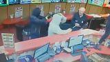 Als Held gefeiert: 85-Jähriger kämpft mit Einbrechern in irischem Wettbüro (Video)