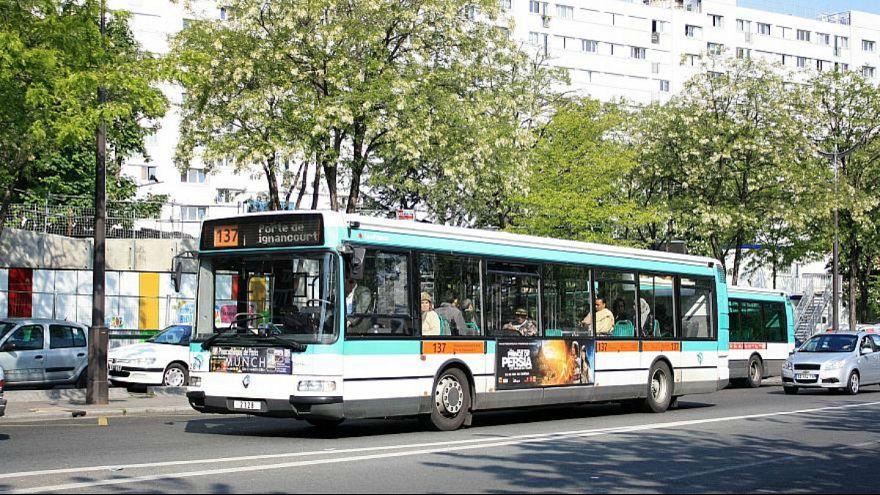 پشتیبانی همکاران از راننده اتوبوس فرانسوی که به یک نوجوان سیلی زد