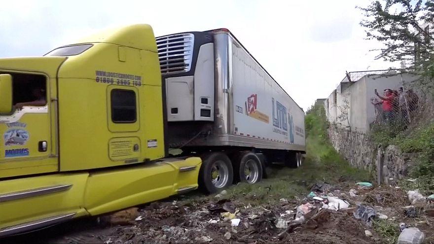 Messico: trovato rimorchio abbandonato con 157 cadaveri