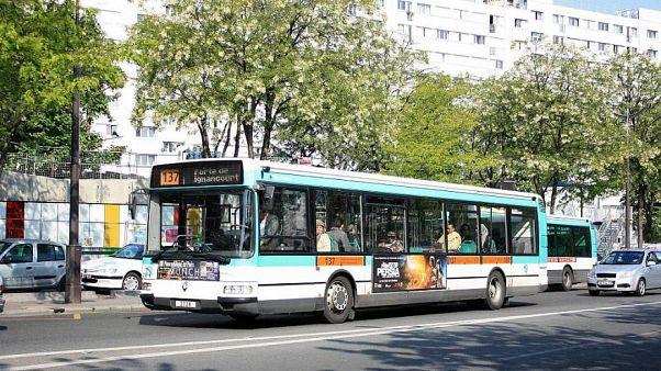 Ohrfeige für frechen Jugendlichen: 250.000 Unterschriften für den Busfahrer
