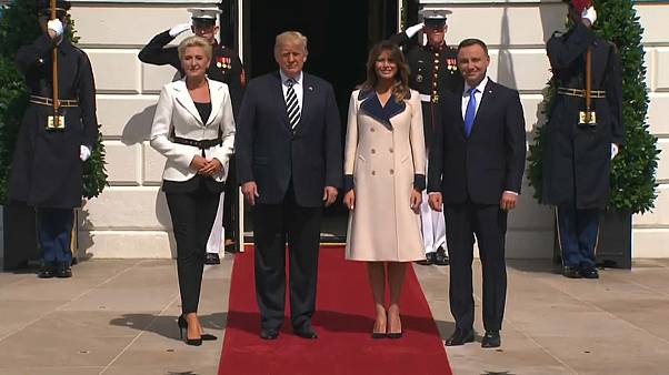Polonya ABD'den kalıcı askeri üs istedi; Trump AB'ye yüklendi