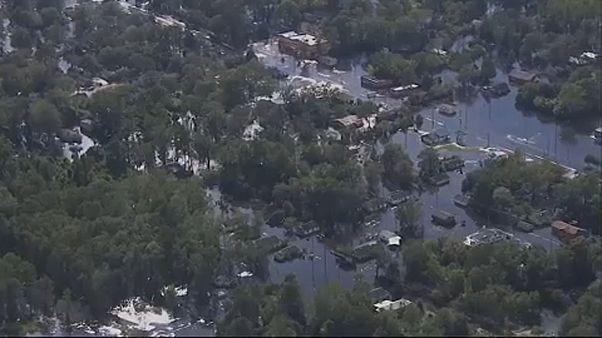 Β.Καρολίνα: Κίνδυνος υπερχείλισης ποταμών μετά τον τυφώνα Φλόρενς