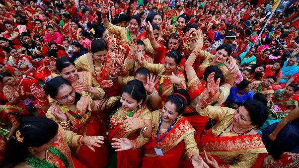 """Hindistan Başbakanı Modi onayladı, """"boş ol"""" diyerek talakla boşanmak suç sayılacak"""