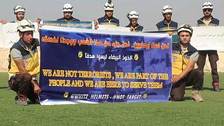 Tüntettek a Szíriai Polgári Védelem tagjai