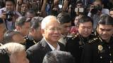 القبض على رئيس الوزراء الماليزي السابق بتهمة الفساد وغسيل الأموال