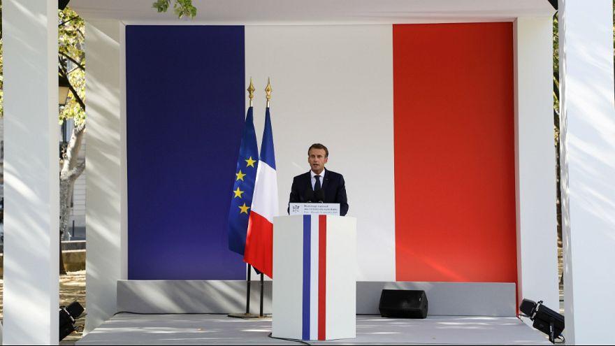 Emmanuel Macron atravessa o primeiro momento conturbado no Eliseu