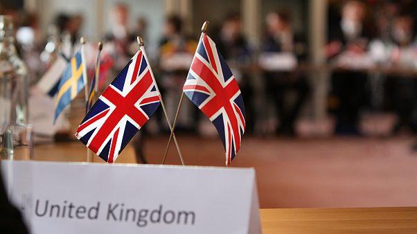 هشدار بریتانیا به دوتابعیتیها نسبت به سفر به ایران