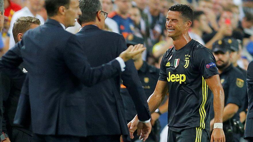 C.Ronaldo sai em lágrimas depois de ter sido expulso no Valência - Juventus