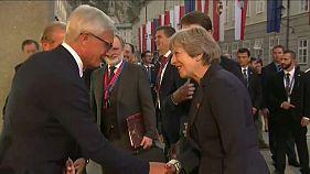 """Саммит ЕС: Мэй призывает к компромиссу по """"брекситу"""""""