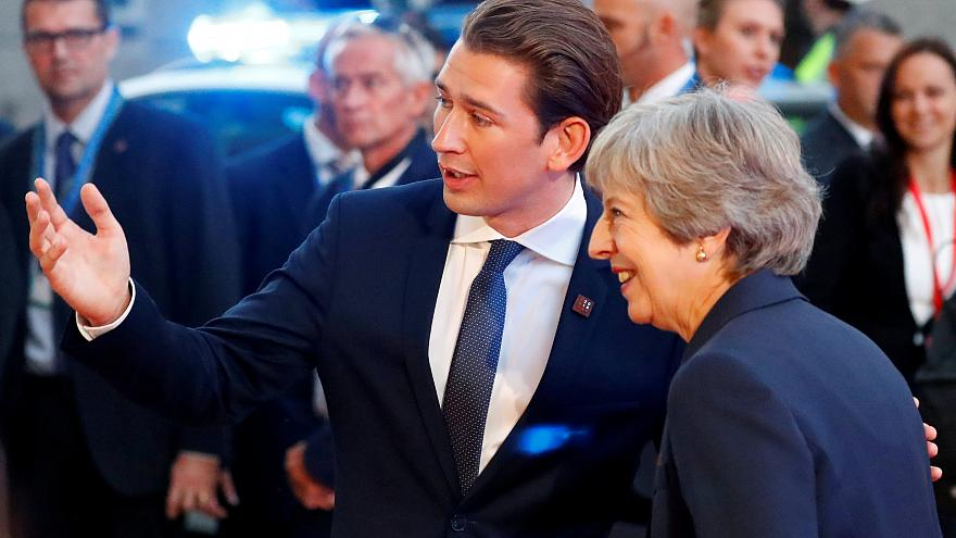 Theresa May appelle les 27 à évoluer sur le Brexit