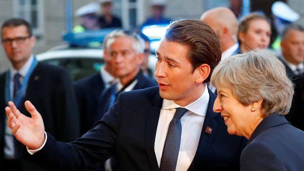 Salzburg'da ilk akşam yemeği öncesi Avusturya ve İngiltere Başbakanları