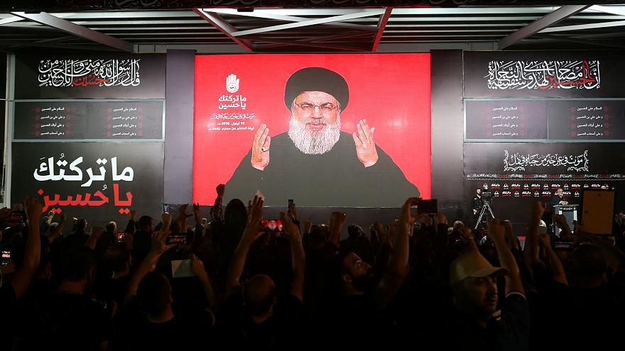 حسن نصرالله يلقي خطابا عبر شاشة في بيروت عشية عاشورا