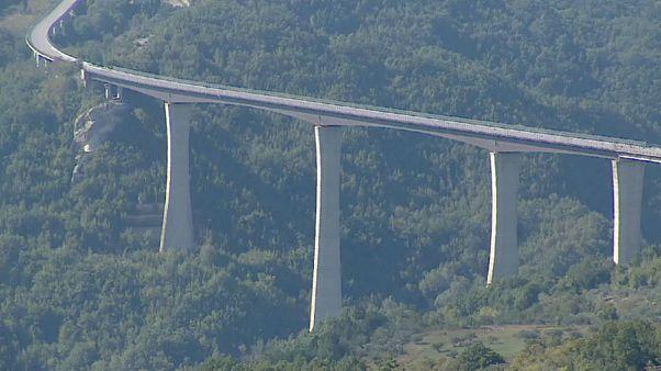 """شاهد: إغلاق الجسر الأعلى في إيطاليا لأسباب تتعلق """"بالسلامة"""""""