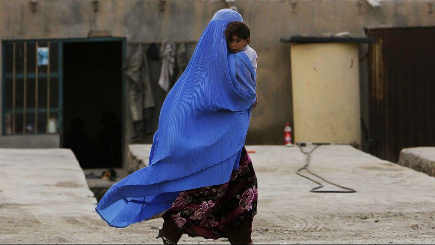 مرگ و میر هنگام زایمان ۵ برابر بیشتر از جنگ در میان زنان افغان قربانی میگیرد