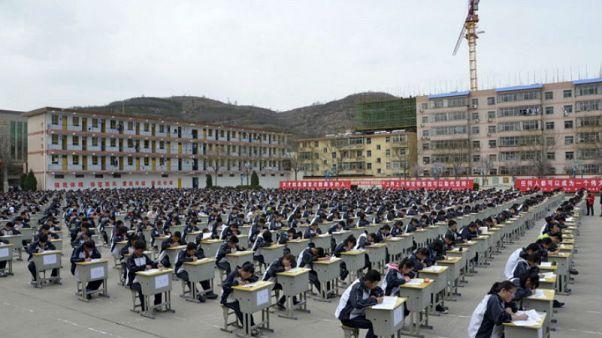 Çin'de özel okullar arttı: Hükümet batılı fikirleri kitaplardan çıkarmaya karar verdi