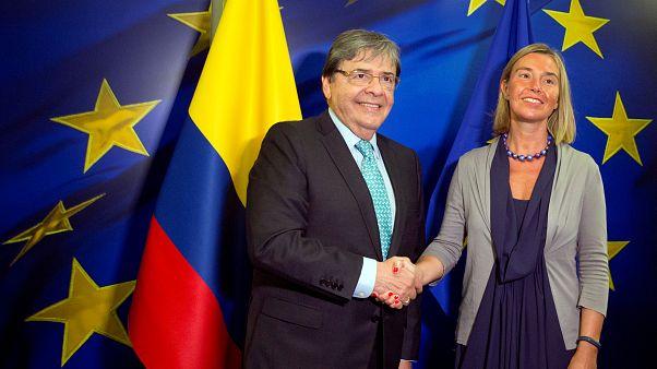 El gobierno colombiano suspende las negociaciones con el ELN