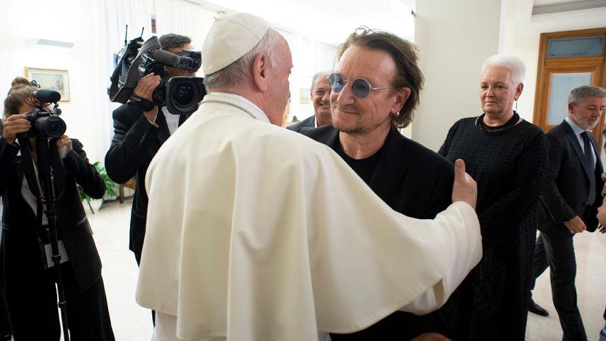 A pápa fogadta Bonót