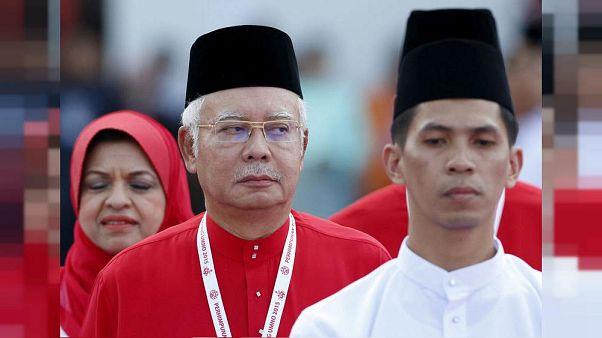 Malezya: Eski Başbakan Rezak hakkında 21 kez para aklama suçlaması