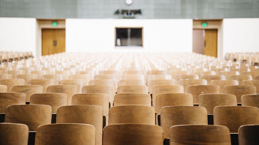 Uno de cada 10 estudiantes españoles tiene pensamientos suicidas en el primer año de universidad