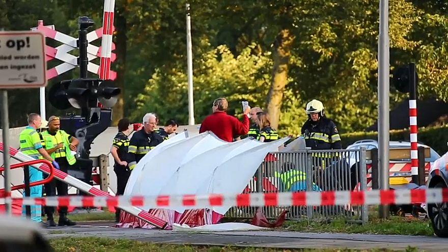 Quatro crianças mortas em choque entre comboio e veículo elétrico