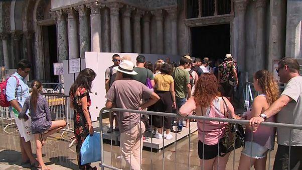 Venedig: Sitzverbot für Touristen?