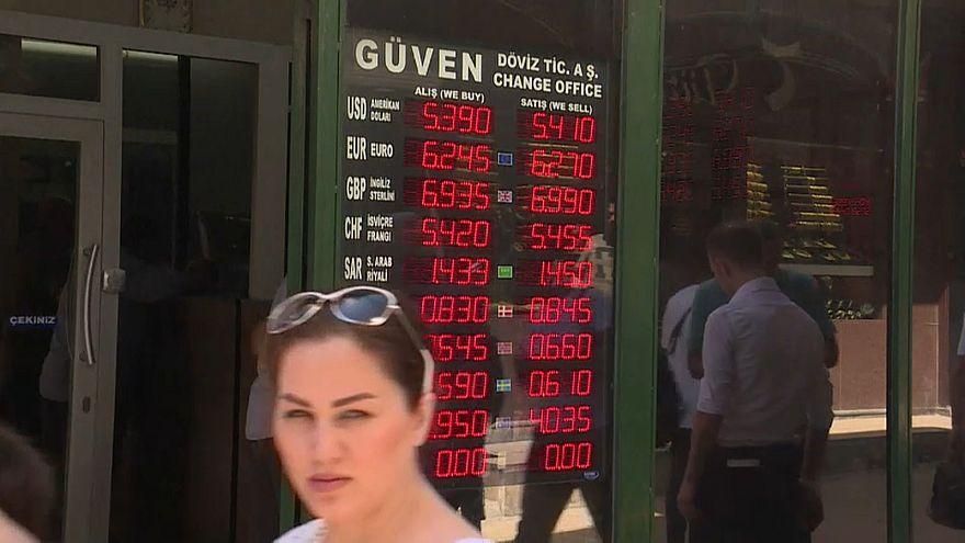 Lira schwächelt chronisch: Türkische Wirtschaft fürchtet harte Landung