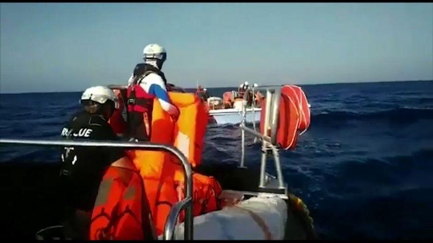 Aquarius torna a navigare: salvate 11 persone davanti alla Libia