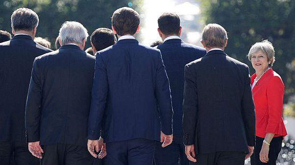 ترزا می: برای برکسیت بدون توافق با اعضای اتحادیه اروپا آماده میشویم