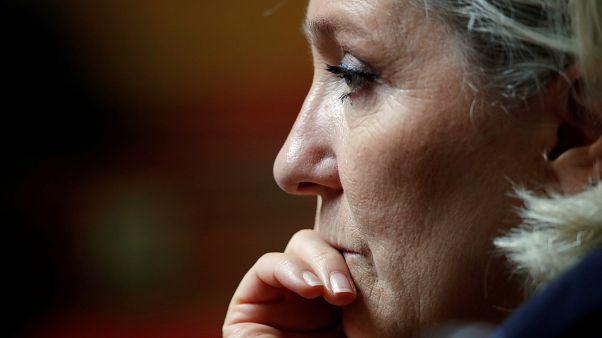 Tribunal francês confirma apropriação de dinheiro público no partido de Marine Le Pen
