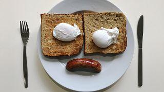 آیا زمان وعده های غذایی بر کاهش وزن تاثیر می گذارد؟