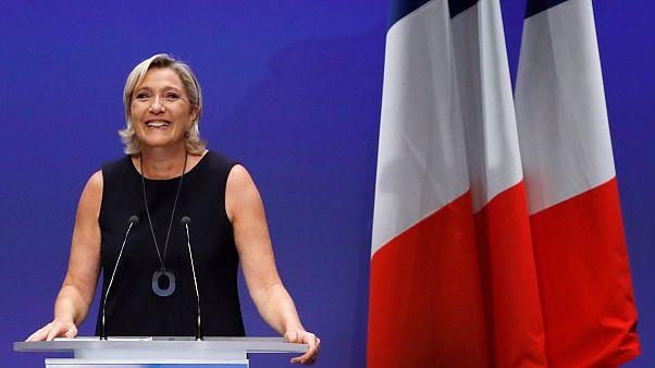 La justicia francesa ordena un examen psiquiátrico de Le Pen