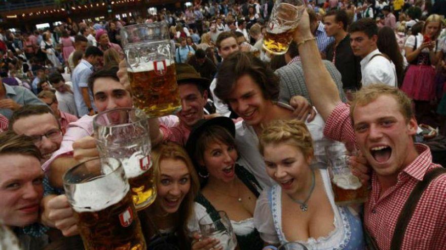 Dünyanın en büyük bira festivali Octoberfest'ten #MeToo dayanışması