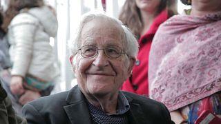 """Chomsky: """"Lula devia ser o próximo presidente do Brasil"""""""
