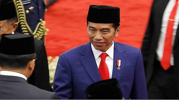 المتنافسان على الرئاسة في إندونيسيا يسعيان لجذب الملسمين وجيل الألفية