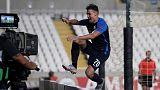 Liga Europa: Celebra un gol y desaparece de la imagen