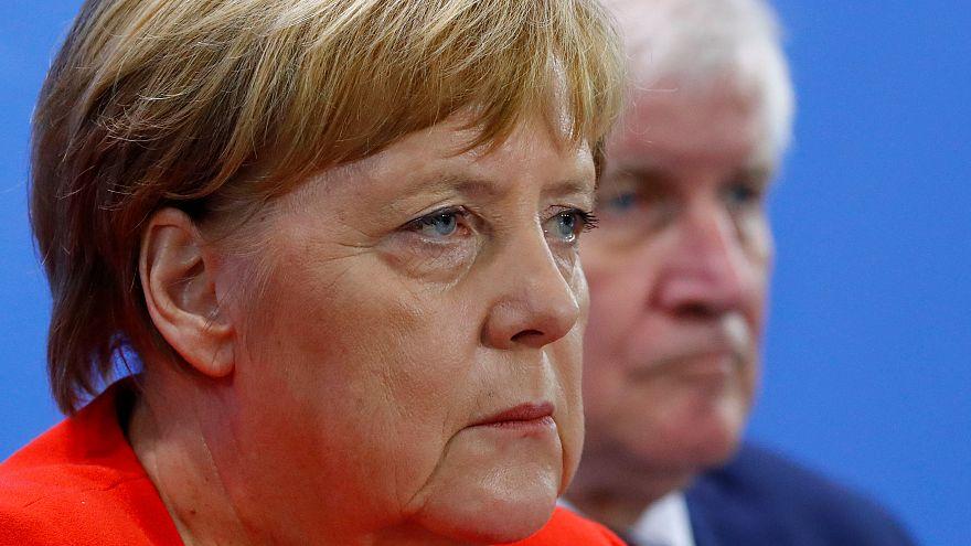 Almanya Başbakanı Angela Merkel ve  İçişleri Bakanı Horst Seehofer